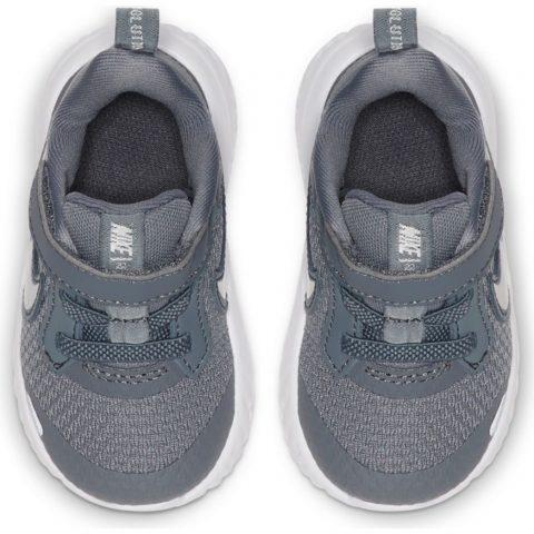 Nike Revolution 5 TD