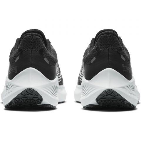 Nike Winflo 7 Shield