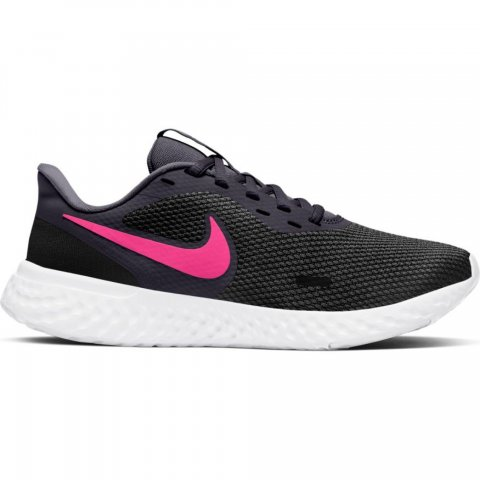 Nike Women's Revolution 5